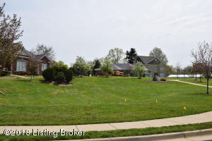 312 KIRKWOOD GLEN CIR, LOUISVILLE, KY 40207  Photo