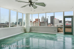 222 E WITHERSPOON ST #1204, LOUISVILLE, KY 40202  Photo