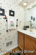5104 CHARBDIN CT, LOUISVILLE, KY 40207  Photo