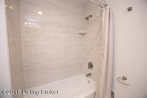 9306 COLLINGWOOD RD, LOUISVILLE, KY 40299  Photo
