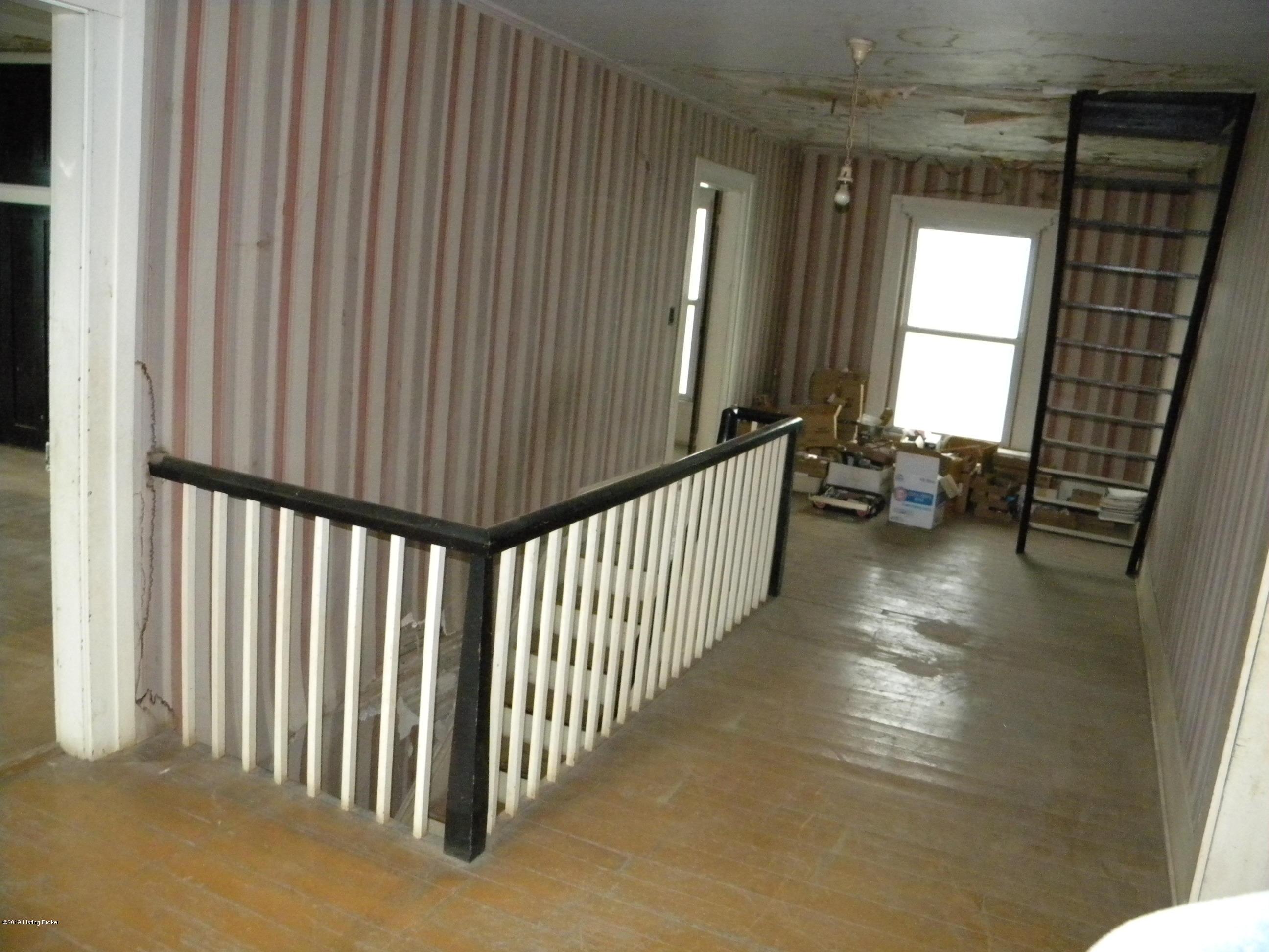 6023 Mt Washington Rd, Taylorsville, Kentucky 40071, 5 Bedrooms Bedrooms, 8 Rooms Rooms,1 BathroomBathrooms,Residential,For Sale,Mt Washington,1524874