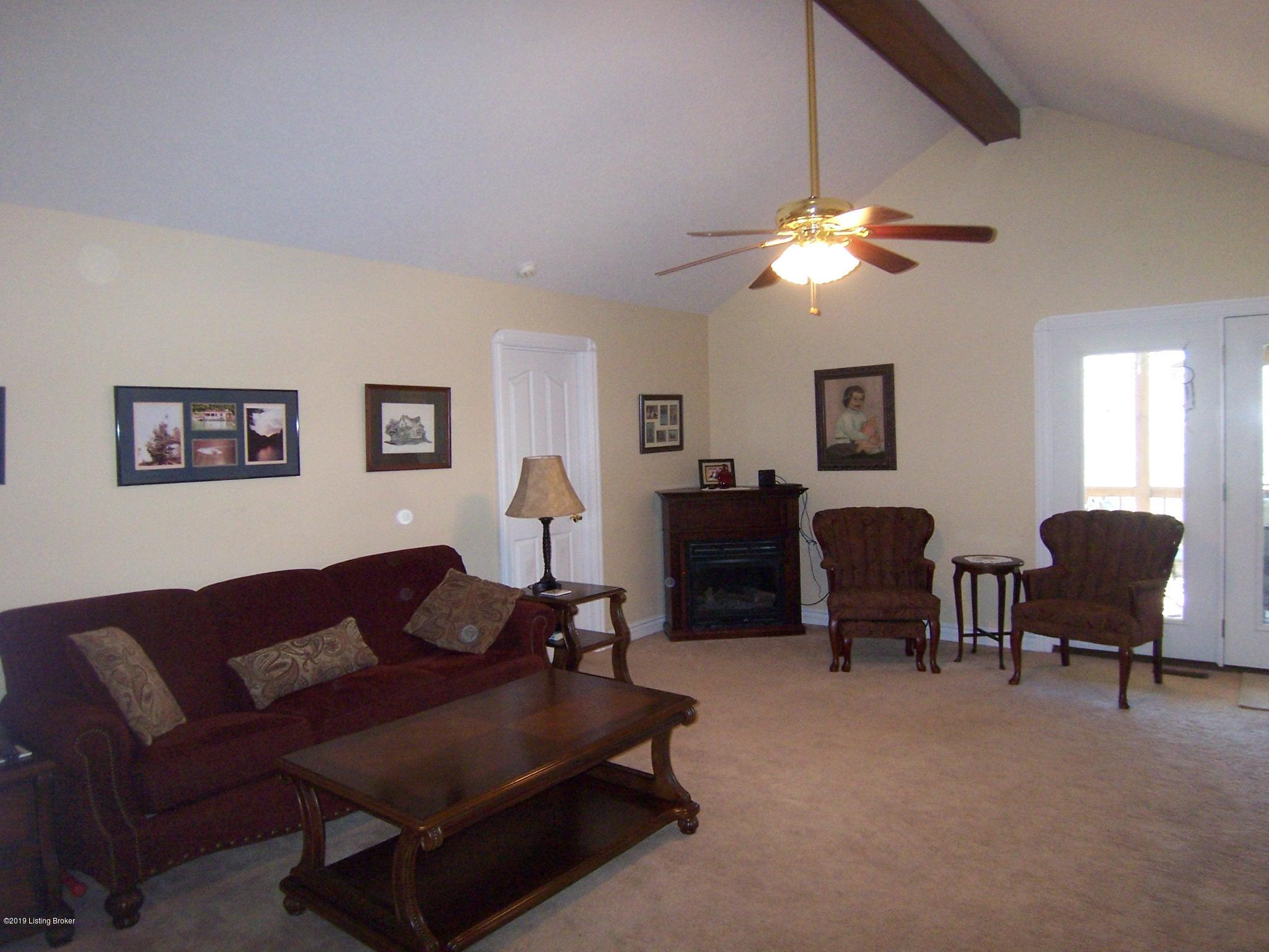 1009 High Pine Ct, Boston, Kentucky 40107, 4 Bedrooms Bedrooms, 6 Rooms Rooms,3 BathroomsBathrooms,Residential,For Sale,High Pine,1529177