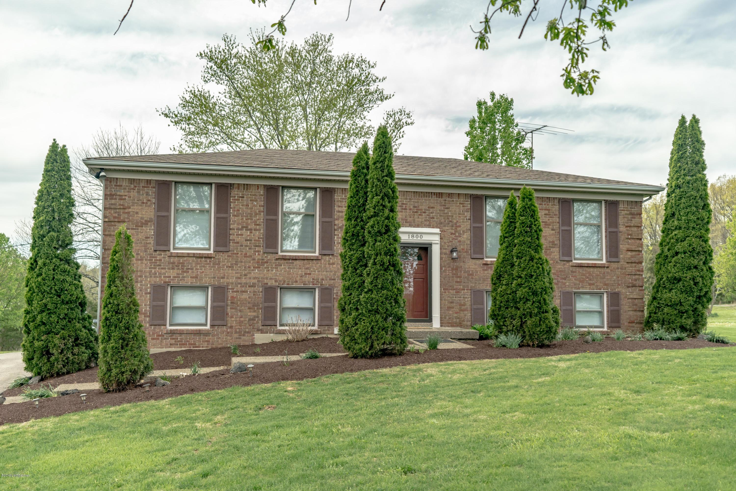 1800 Circleview Dr, La Grange, Kentucky 40031, 4 Bedrooms Bedrooms, 8 Rooms Rooms,2 BathroomsBathrooms,Residential,For Sale,Circleview,1530062