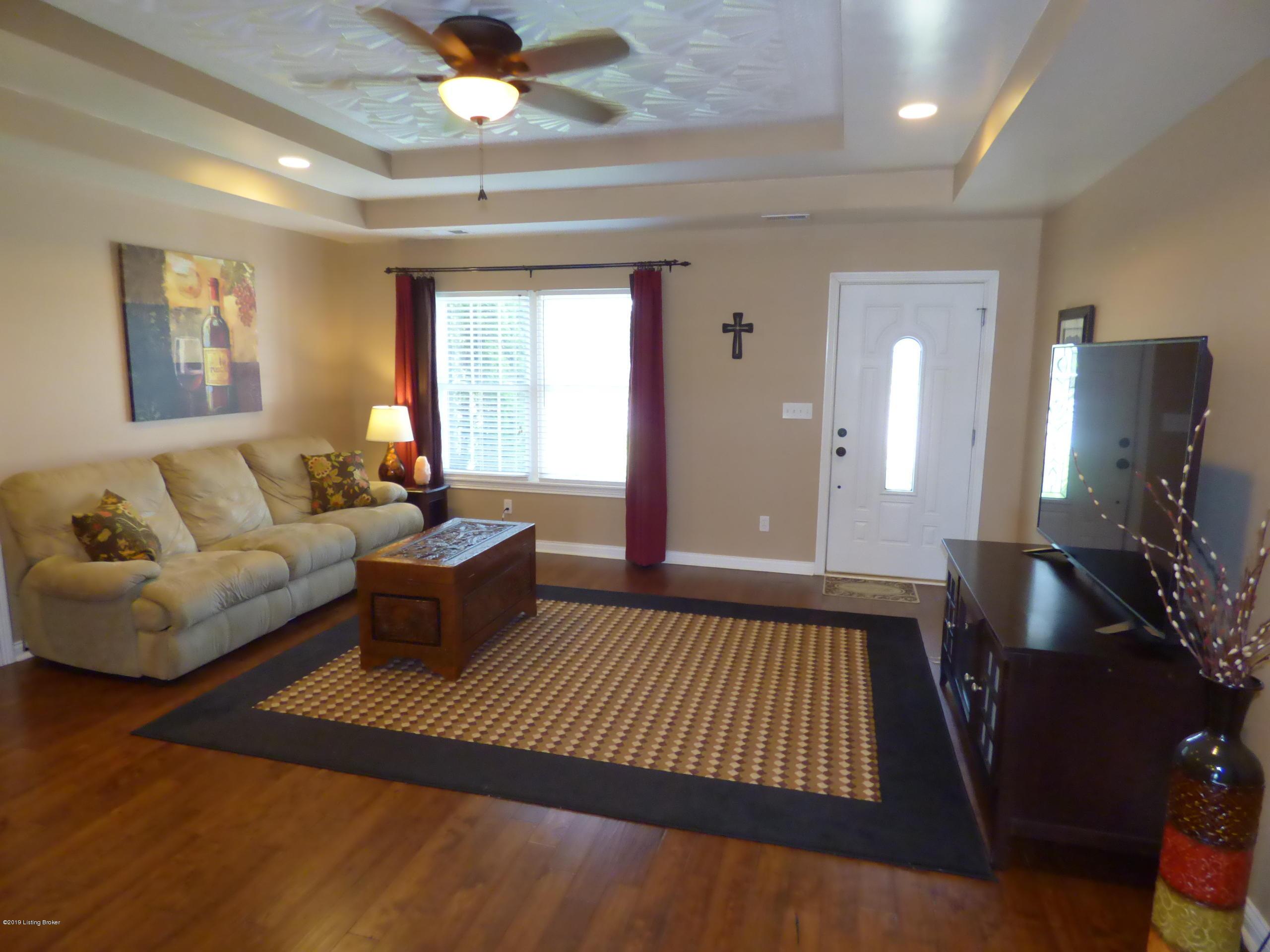 158 Deep Springs Dr, Bardstown, Kentucky 40004, 3 Bedrooms Bedrooms, 6 Rooms Rooms,2 BathroomsBathrooms,Residential,For Sale,Deep Springs,1531381