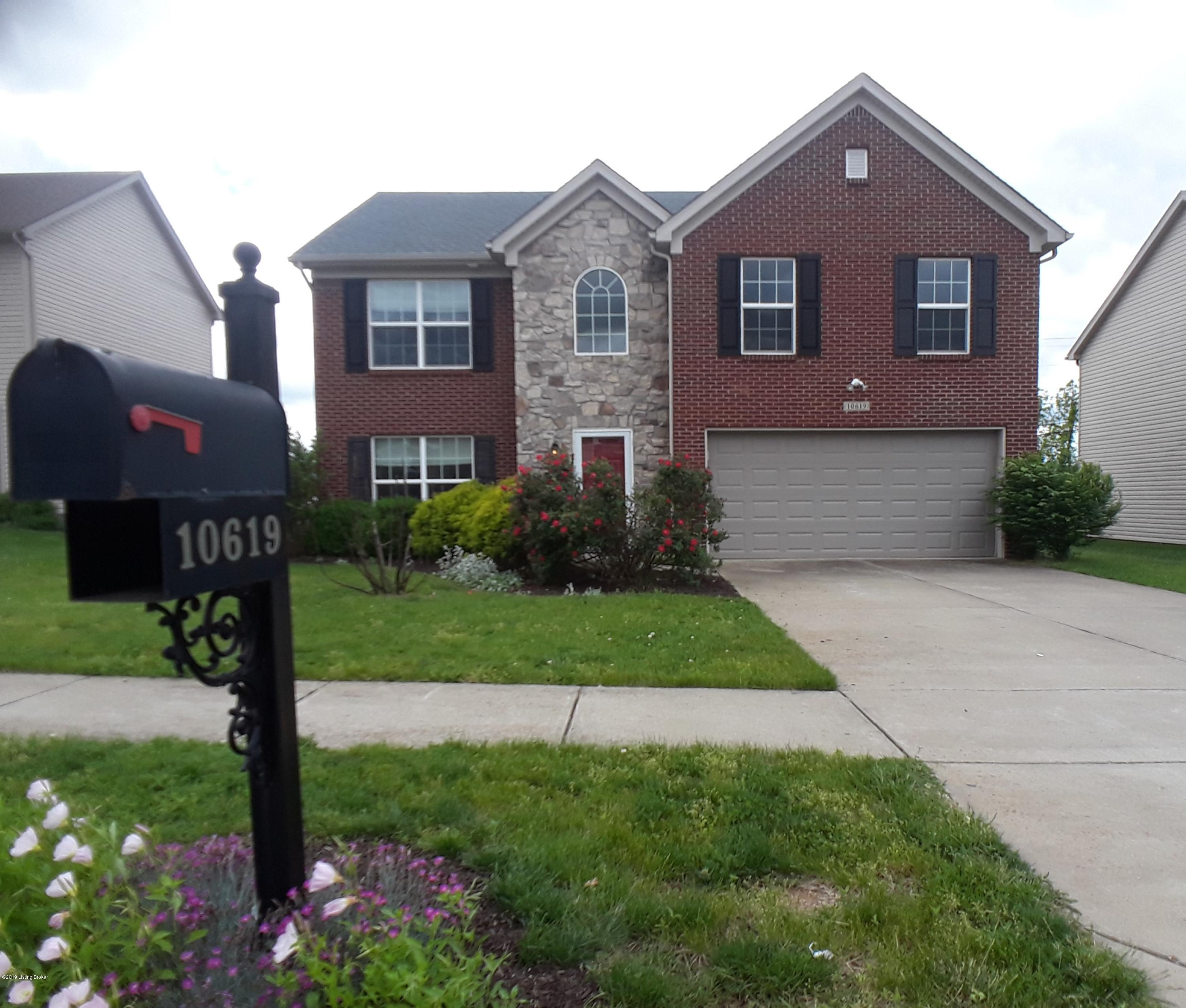 10619 Brookchase Ct, Louisville, Kentucky 40228