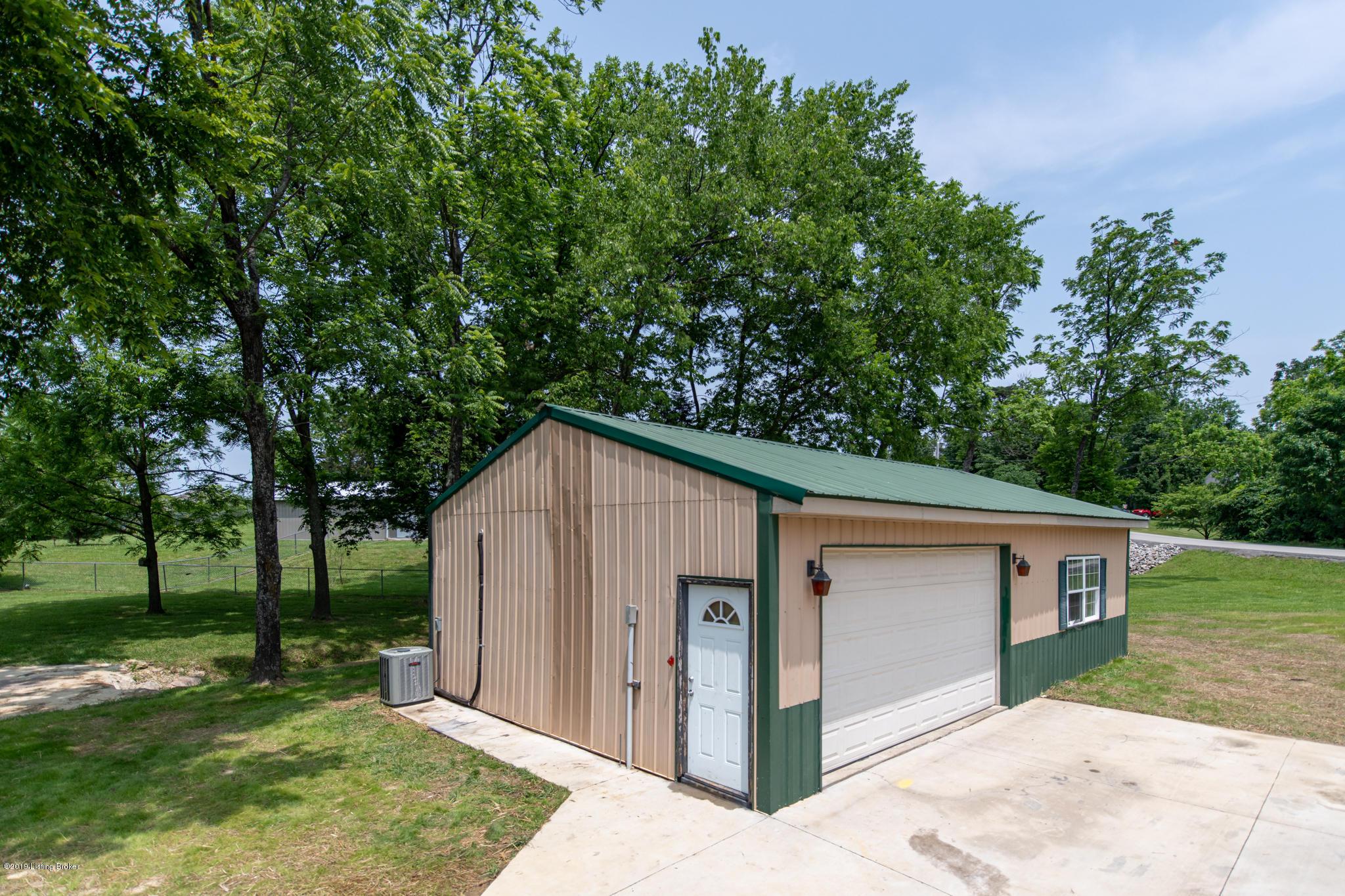 411 Tanglewood Rd, Shepherdsville, Kentucky 40165, 3 Bedrooms Bedrooms, 5 Rooms Rooms,2 BathroomsBathrooms,Residential,For Sale,Tanglewood,1534049