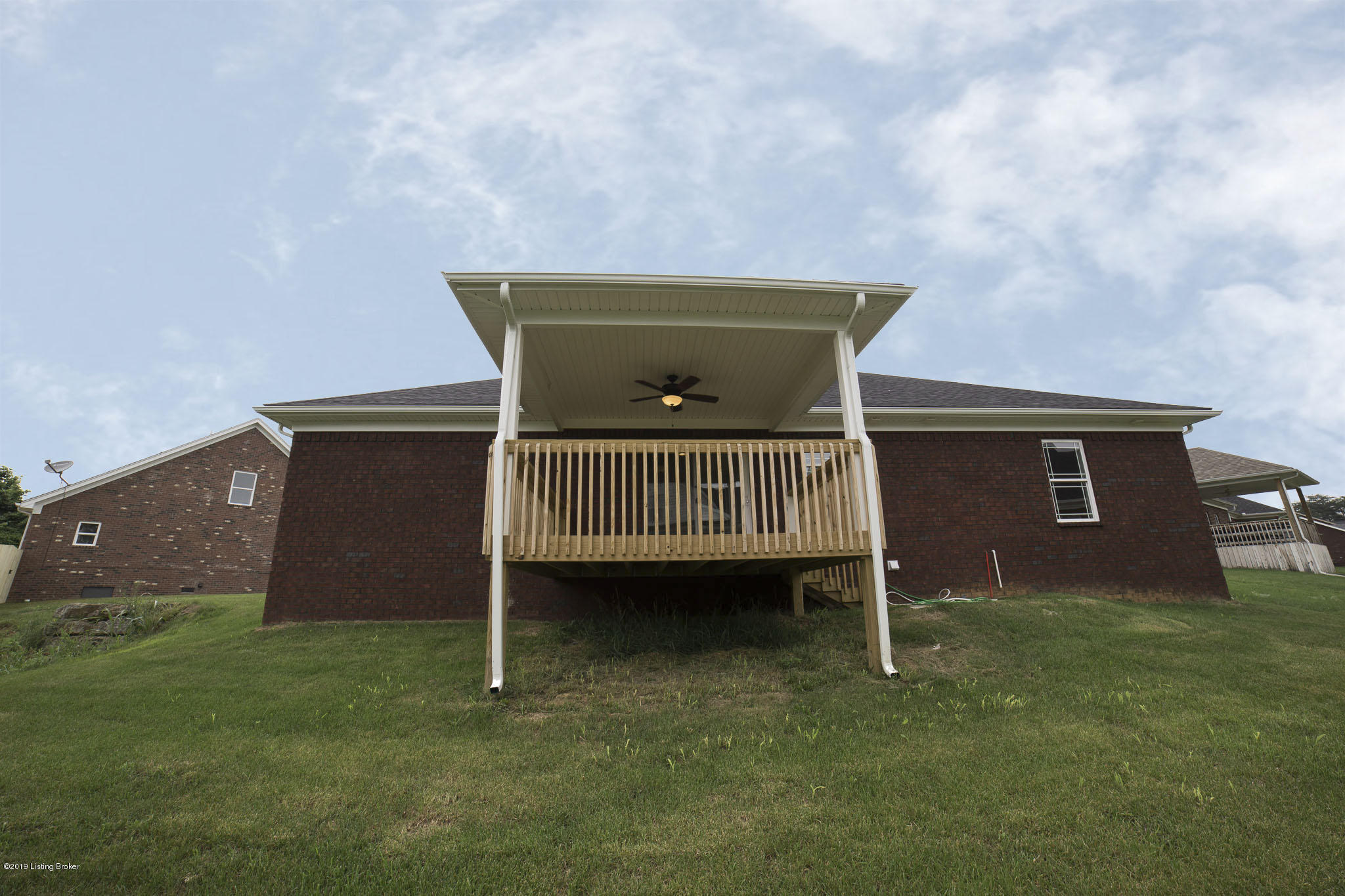 338 London Square, Mt Washington, Kentucky 40047, 4 Bedrooms Bedrooms, 8 Rooms Rooms,3 BathroomsBathrooms,Residential,For Sale,London,1532610