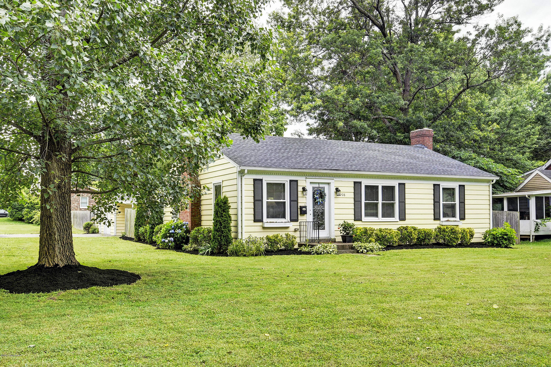 Wondrous 7208 Wesboro Rd Louisville Ky 40222 Susan Smith Johnson Home Interior And Landscaping Ologienasavecom