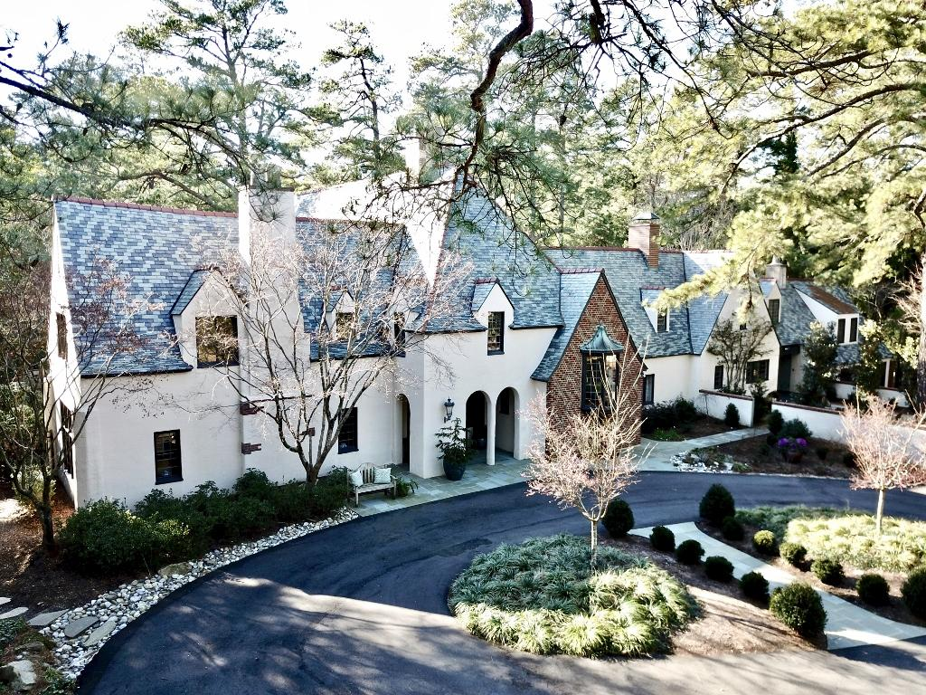 140 N Valley Road, Southern Pines, North Carolina 5 Bedroom as one of Homes & Land Real Estate