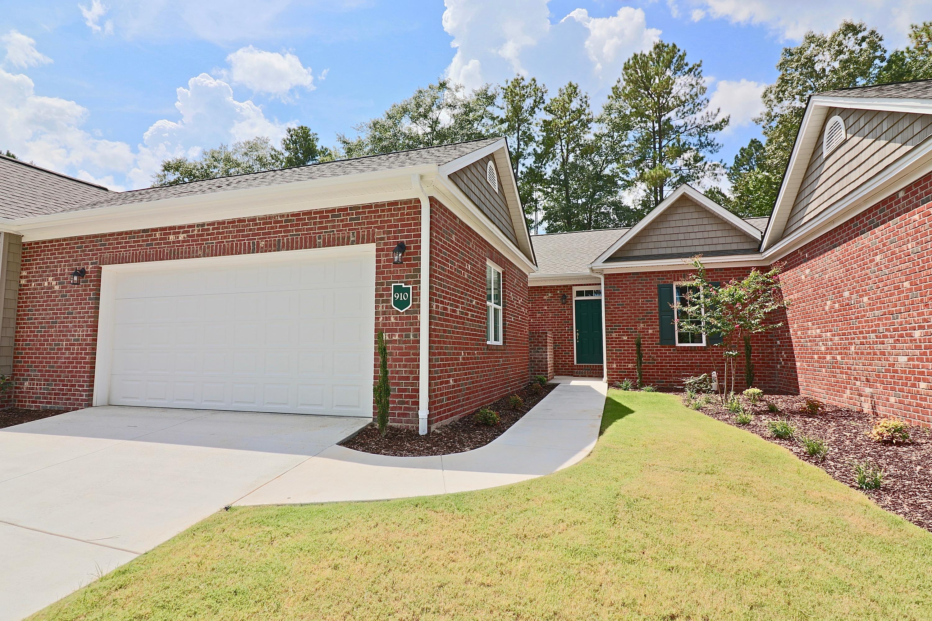 910  Lighthorse Circle, Aberdeen in Moore County, NC 28315 Home for Sale