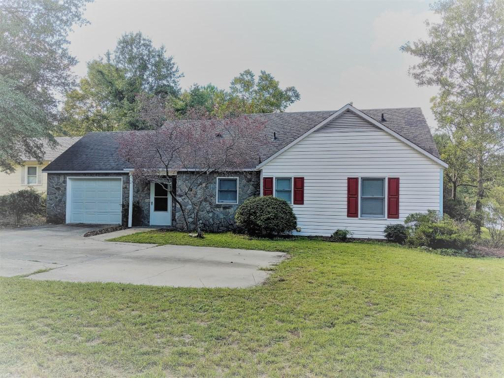 907 N Poplar Street, Aberdeen in Moore County, NC 28315 Home for Sale