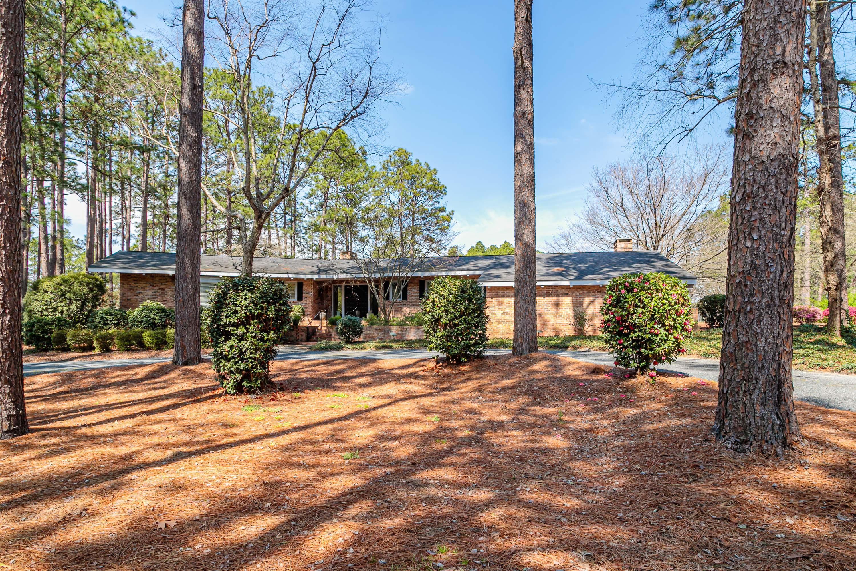 10  Brook Hollow Drive, Pinehurst in Moore County, NC 28374 Home for Sale