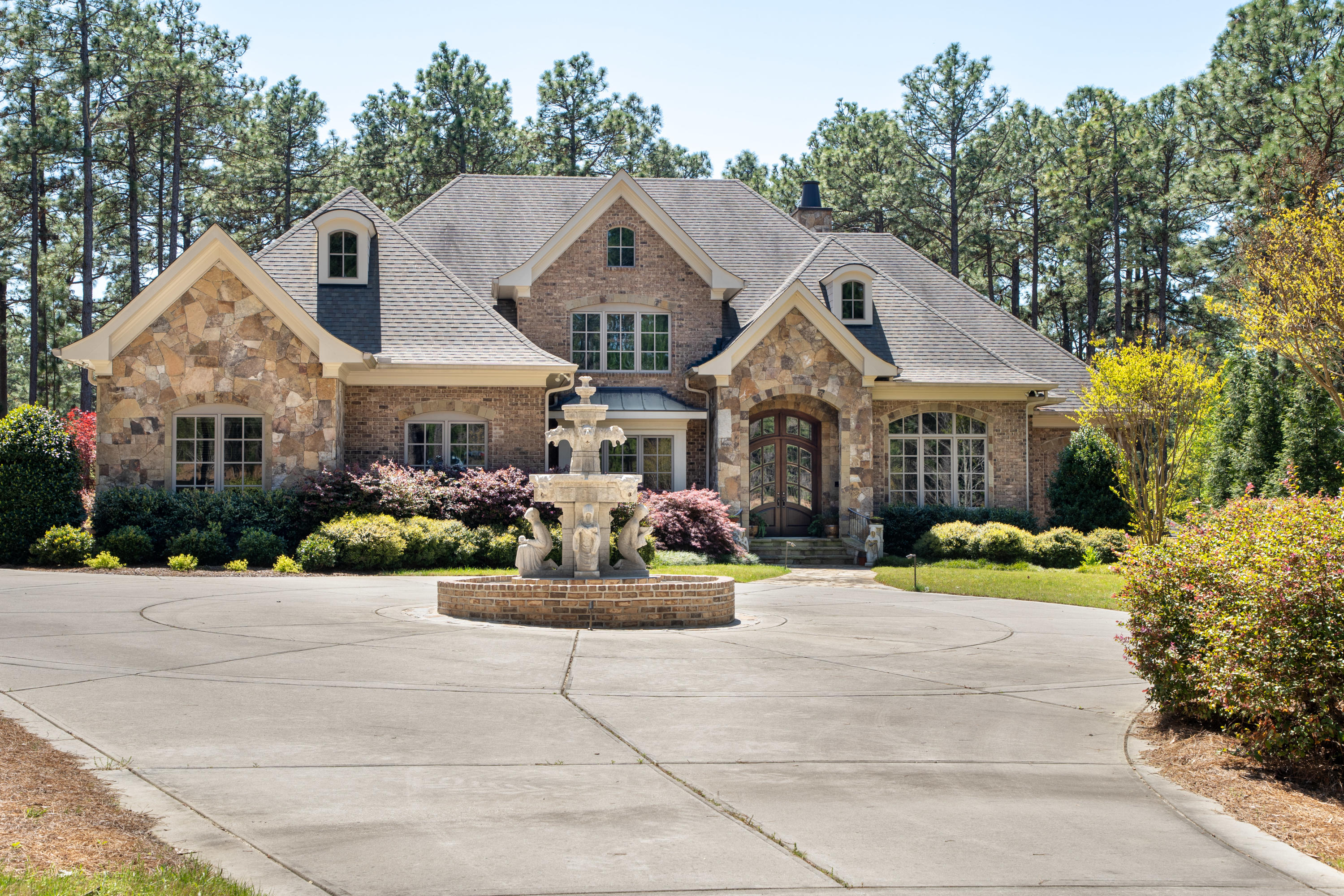 49  Chestertown Drive, Pinehurst, North Carolina 5 Bedroom as one of Homes & Land Real Estate