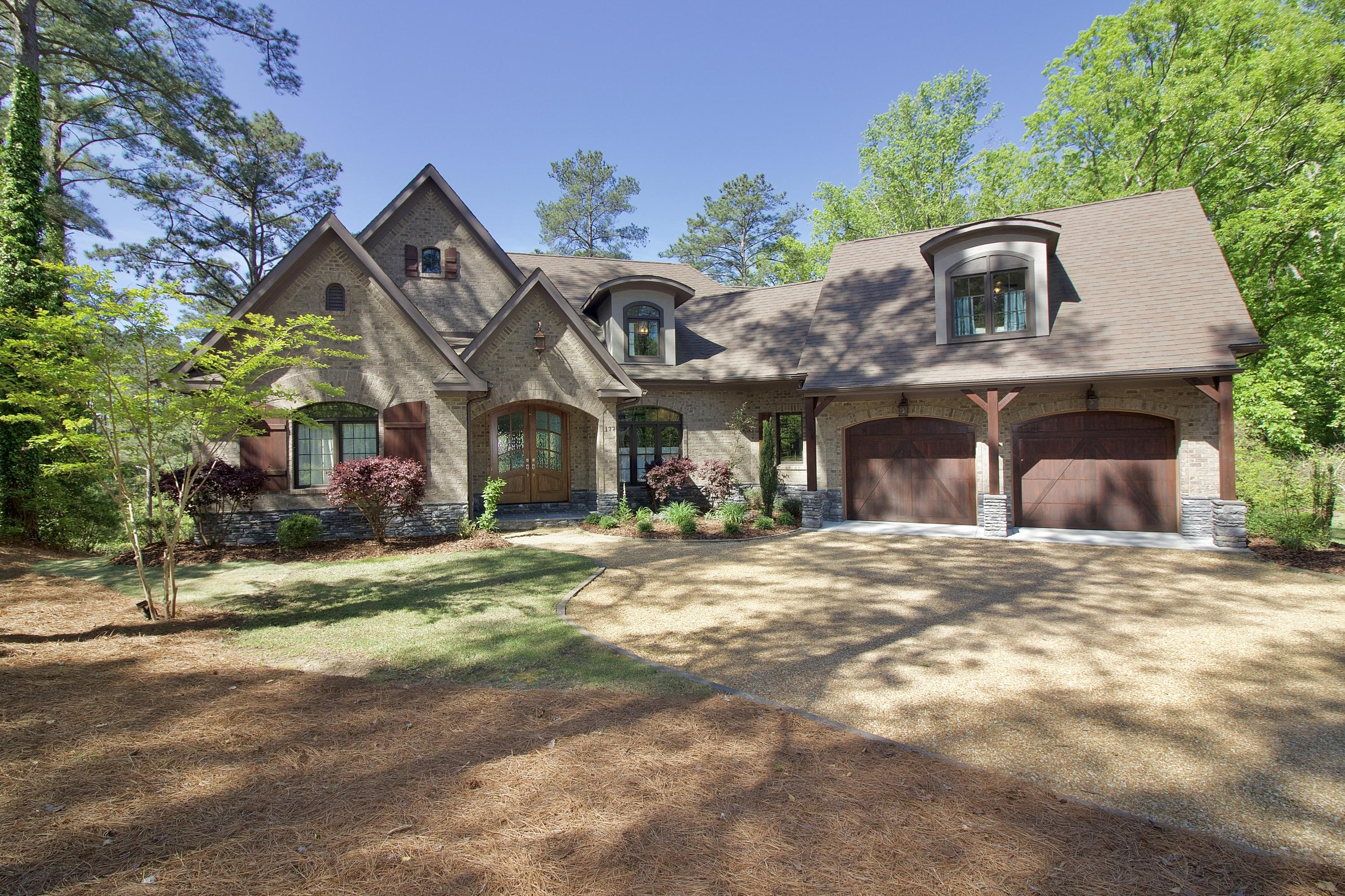 177  Lakeview Drive, Whispering Pines in Moore County, NC 28327 Home for Sale