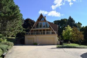 Property for sale at N8W27540 Woodridge Ct, Waukesha,  WI 53188