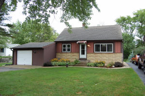 7613 E Wind Lake Rd, Waterford, WI 53185