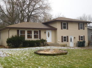 827  Legion Dr, TWIN LAKES, 53181, WI