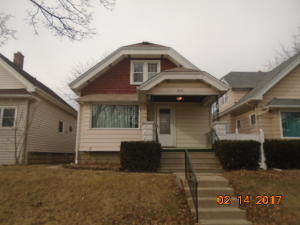 1969 S 74th St, West Allis, WI 53219