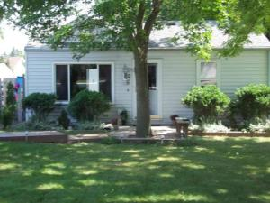 5920 S 34th St, Greenfield, WI 53221