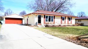 10432 W Goodrich Ave, Milwaukee, WI 53224