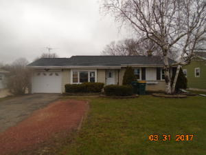 246 W Church St, Saukville, WI 53080