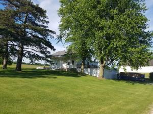 N5563 Country Aire RD, Plymouth, WI 53073