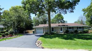 W157N9743 Glenwood RD, Germantown, WI 53022