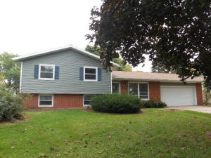 915 NORDANE AVE, RIPON, WI 54971  Photo 1