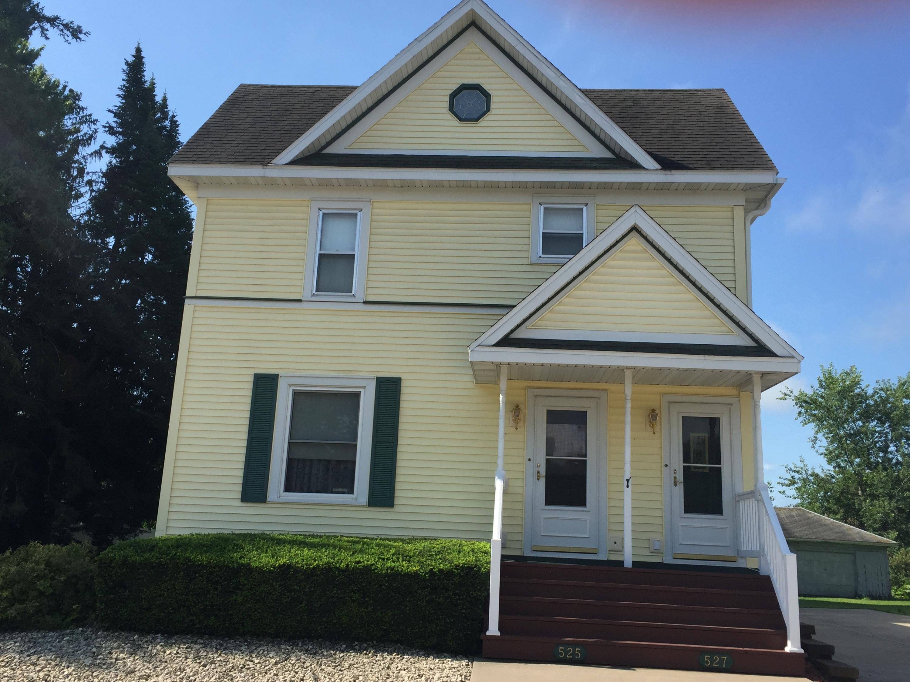 525-527 Hamilton ST W<br /> West Salem,La Crosse,54669,1 Bedroom Bedrooms,2 BathroomsBathrooms,Two-family,Hamilton ST W,1605259