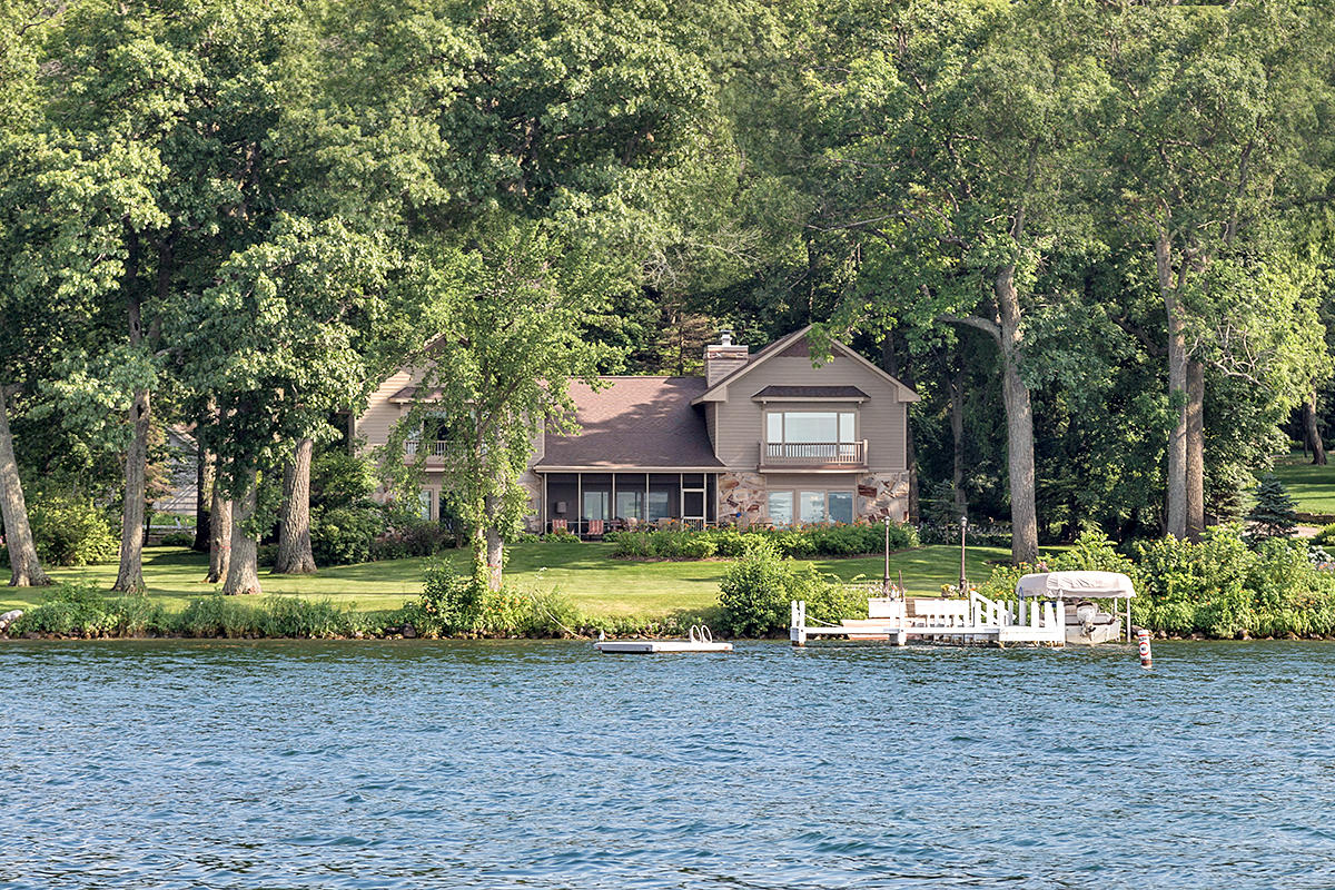 Photo of W4446 Basswood Dr, Lake Geneva, WI 53147
