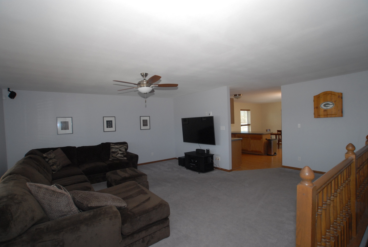 Photo #7 of 3820 Green Meadows Dr