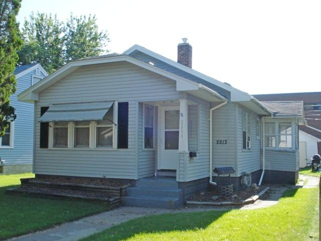 2211 16th St S<br /> La Crosse,La Crosse,54601,2 Bedrooms Bedrooms,1 BathroomBathrooms,Two-family,16th St S,1623077