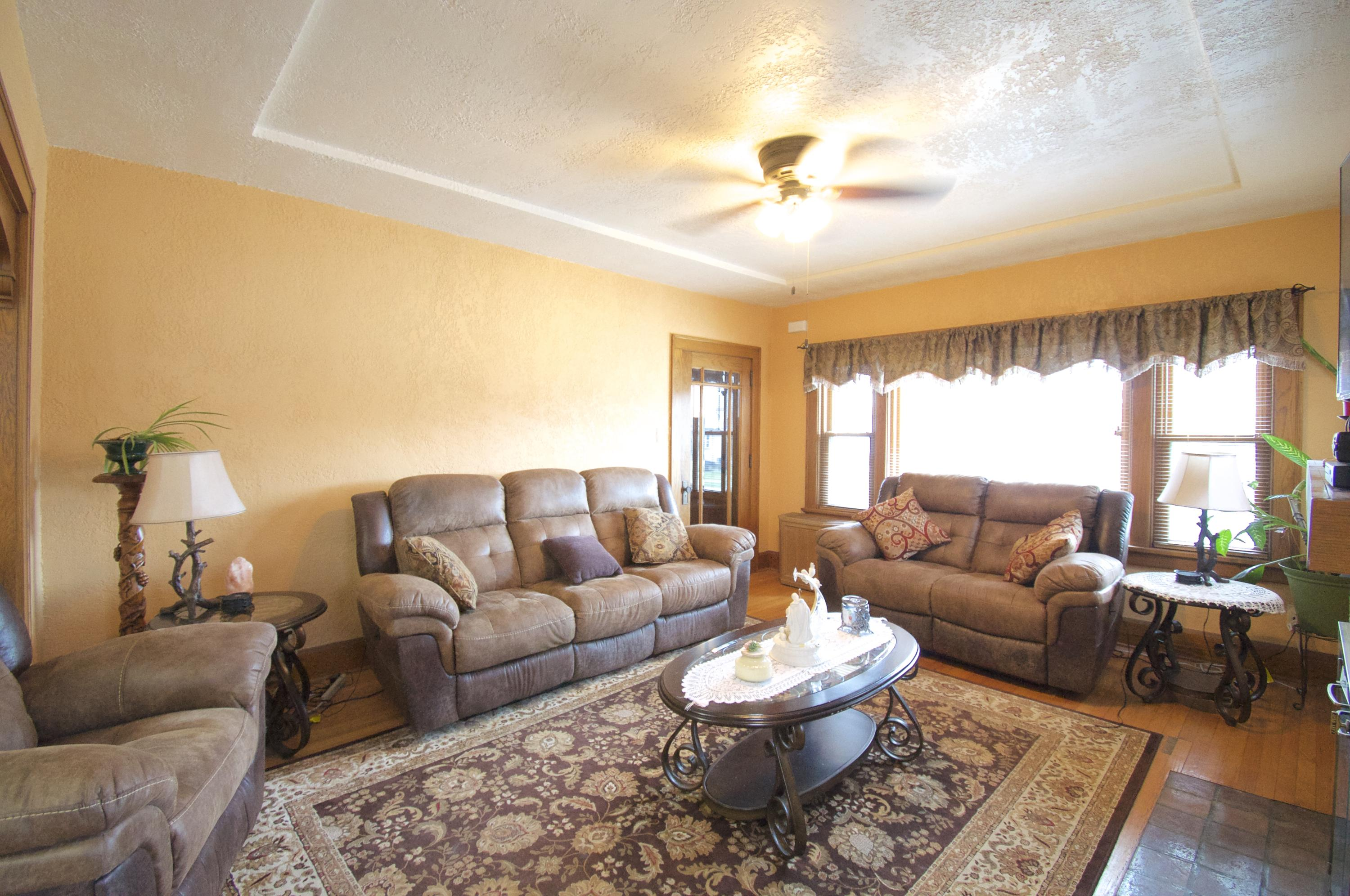 Photo #7 of 3713 Lindermann AVE