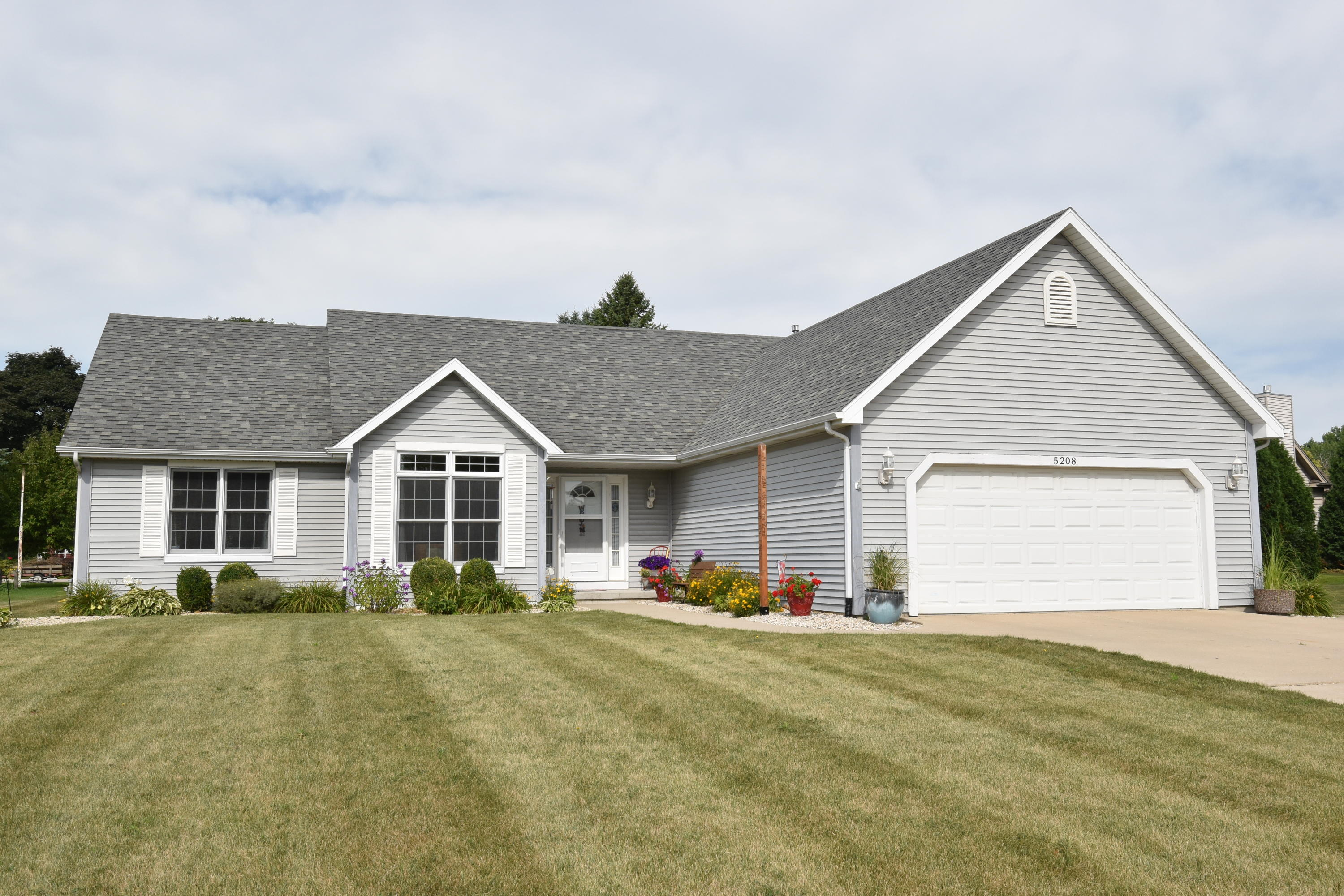 Real Estate Property Listing ID: 1654702