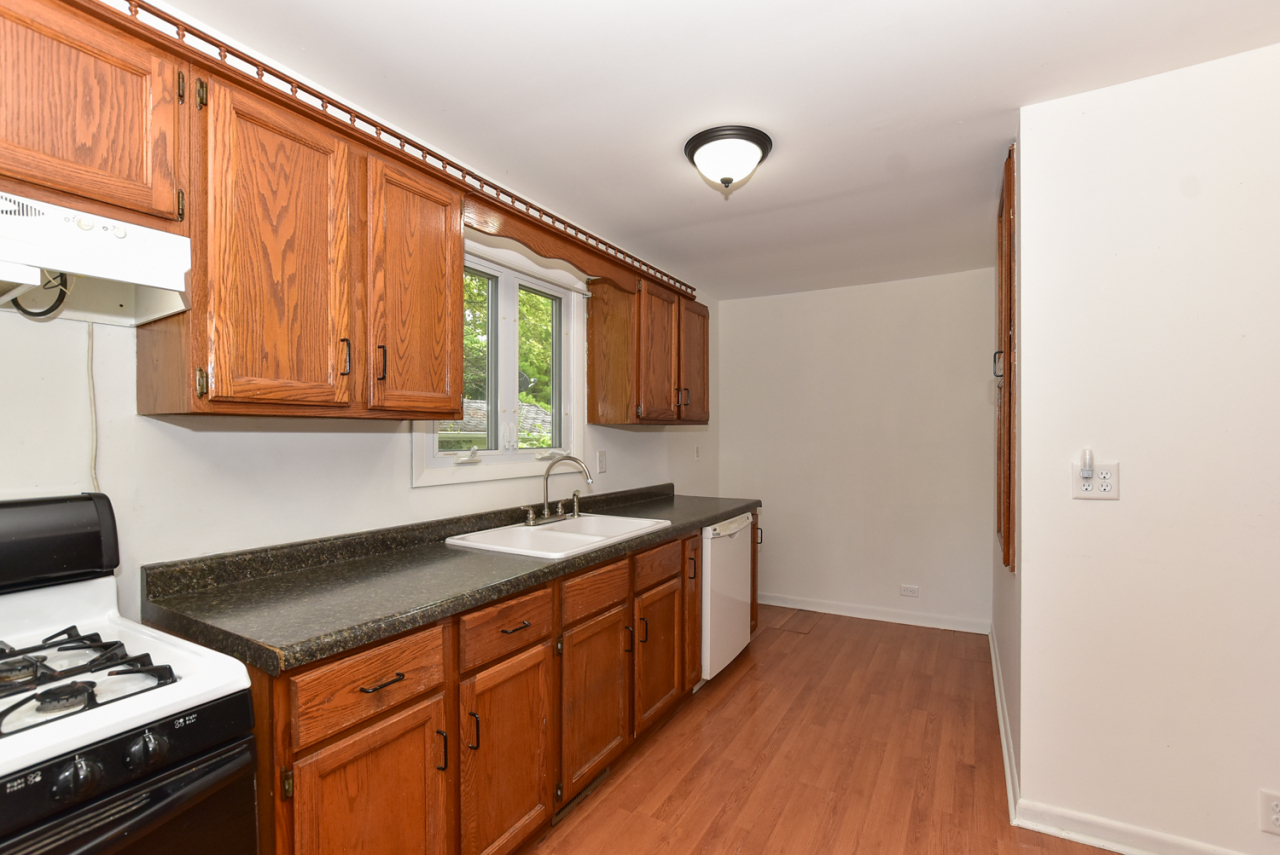 Photo #6 of 30119 Moccasin Dr
