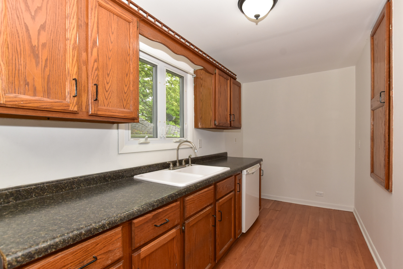 Photo #7 of 30119 Moccasin Dr