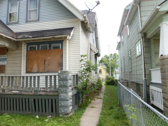 3570 19th St, Milwaukee, Wisconsin 53206, 5 Bedrooms Bedrooms, 8 Rooms Rooms,1 BathroomBathrooms,Single-family,For Sale,19th St,1659570
