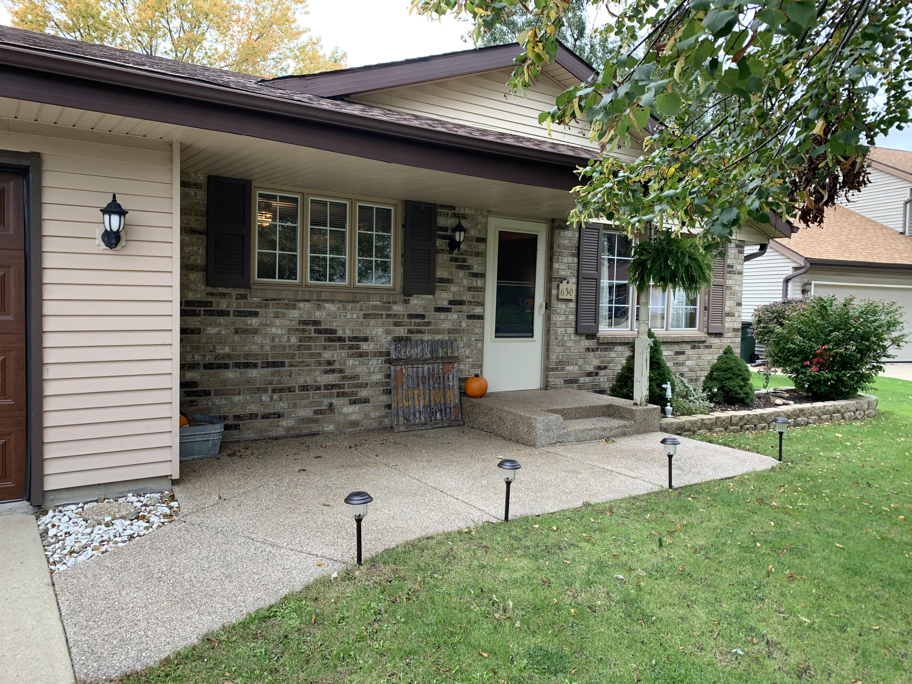 Real Estate Property Listing ID: 1663727