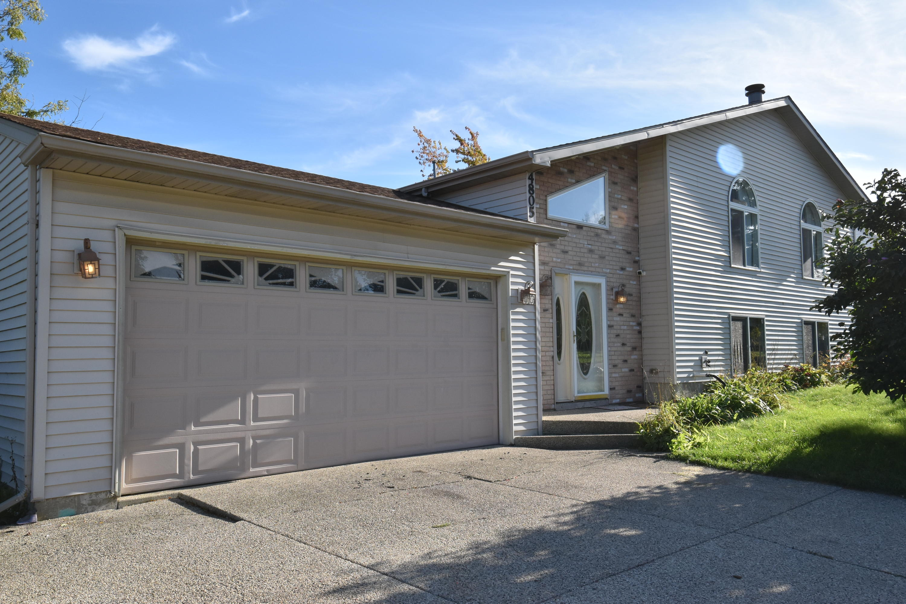 Real Estate Property Listing ID: 1663954