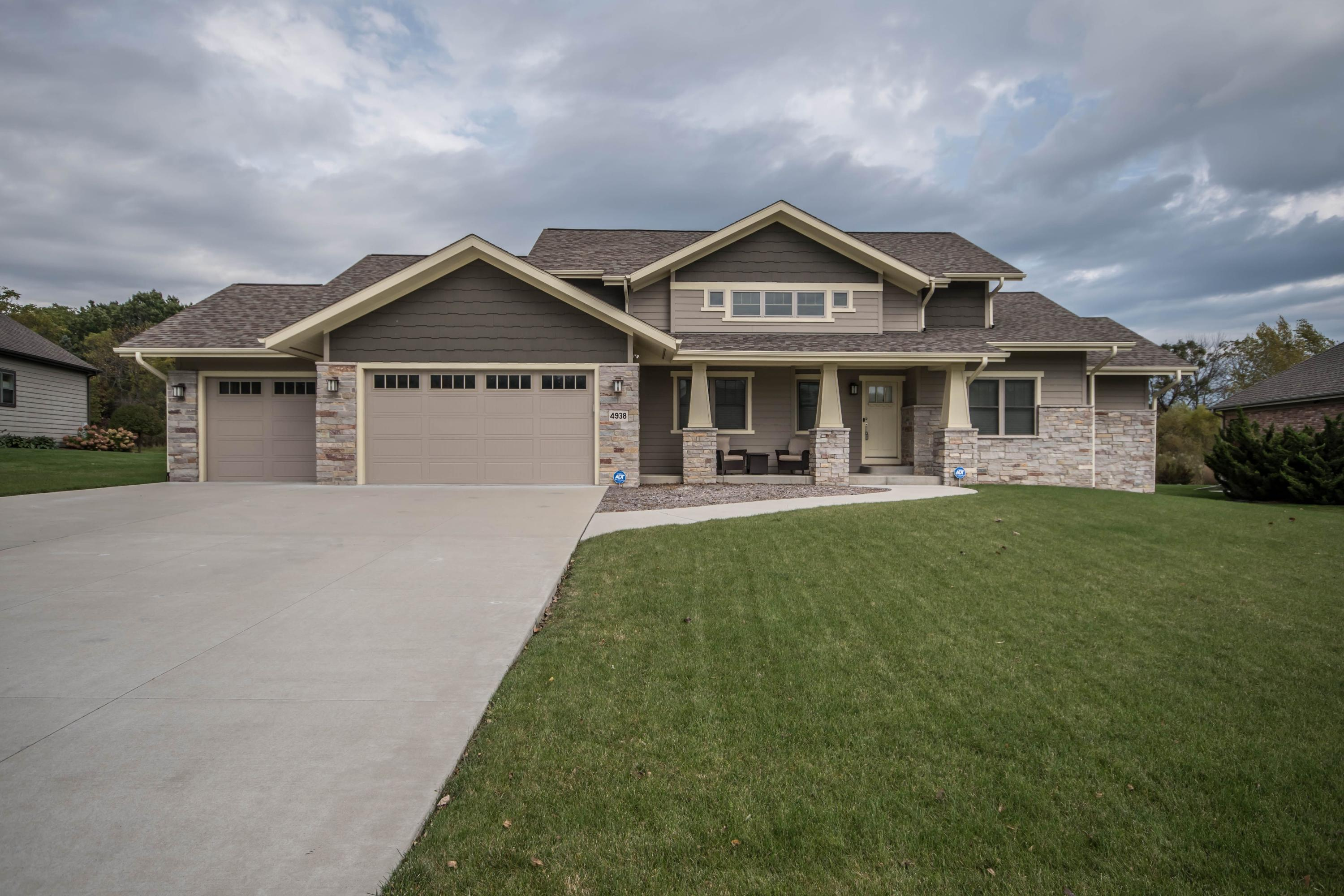Real Estate Property Listing ID: 1664041