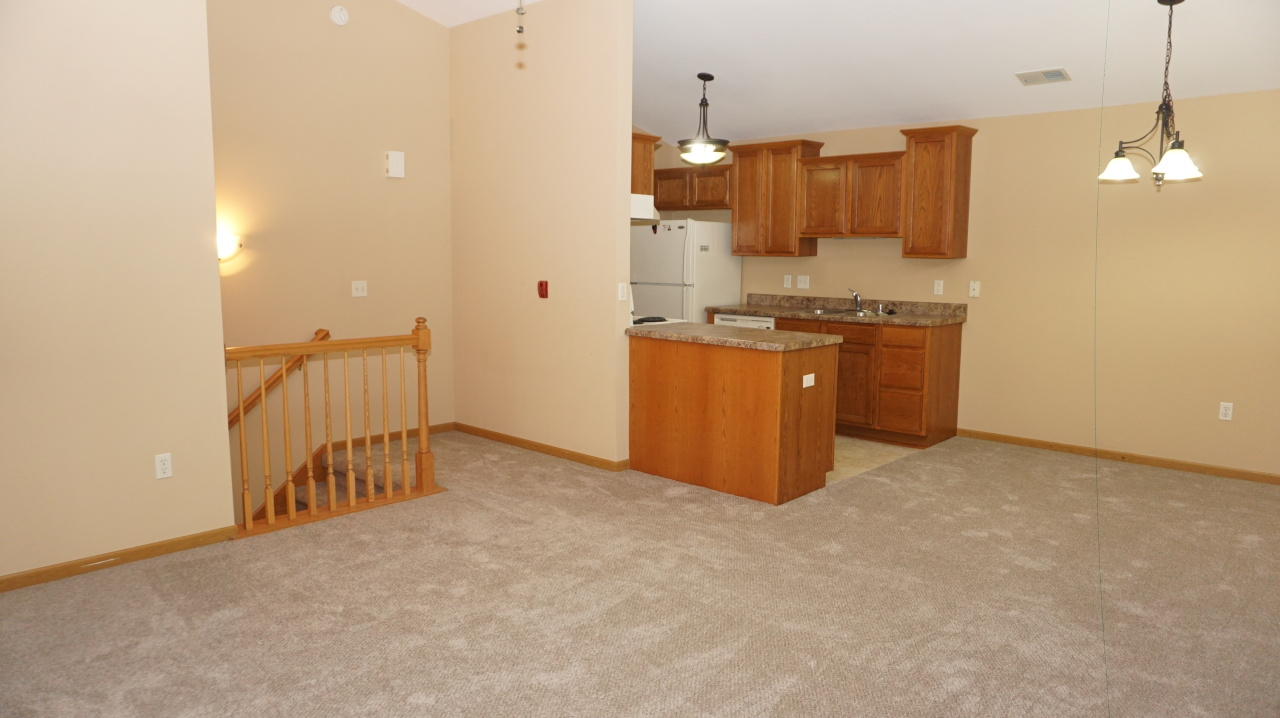 Photo #7 of 1725 State St #41