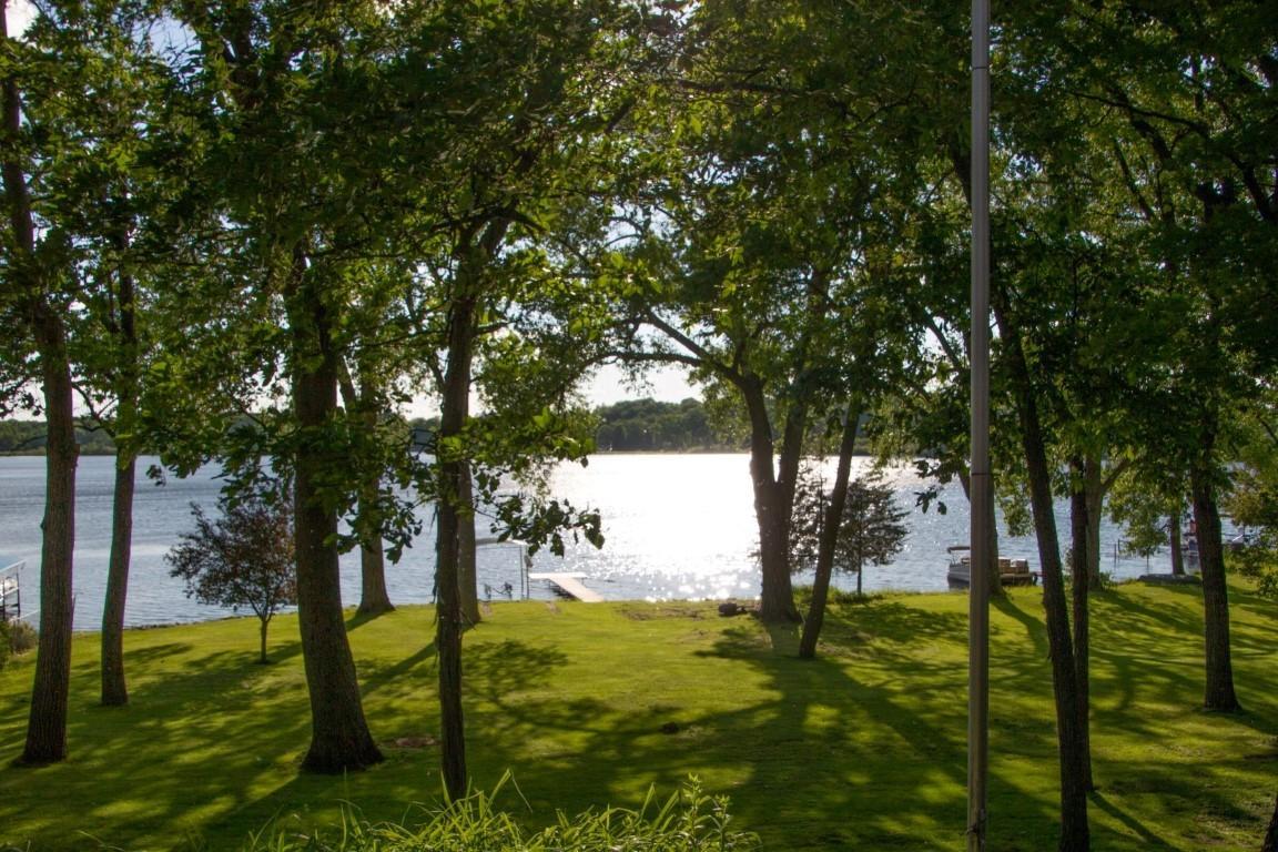 Photo of 3407 Lake Dr, Hartland, WI 53029