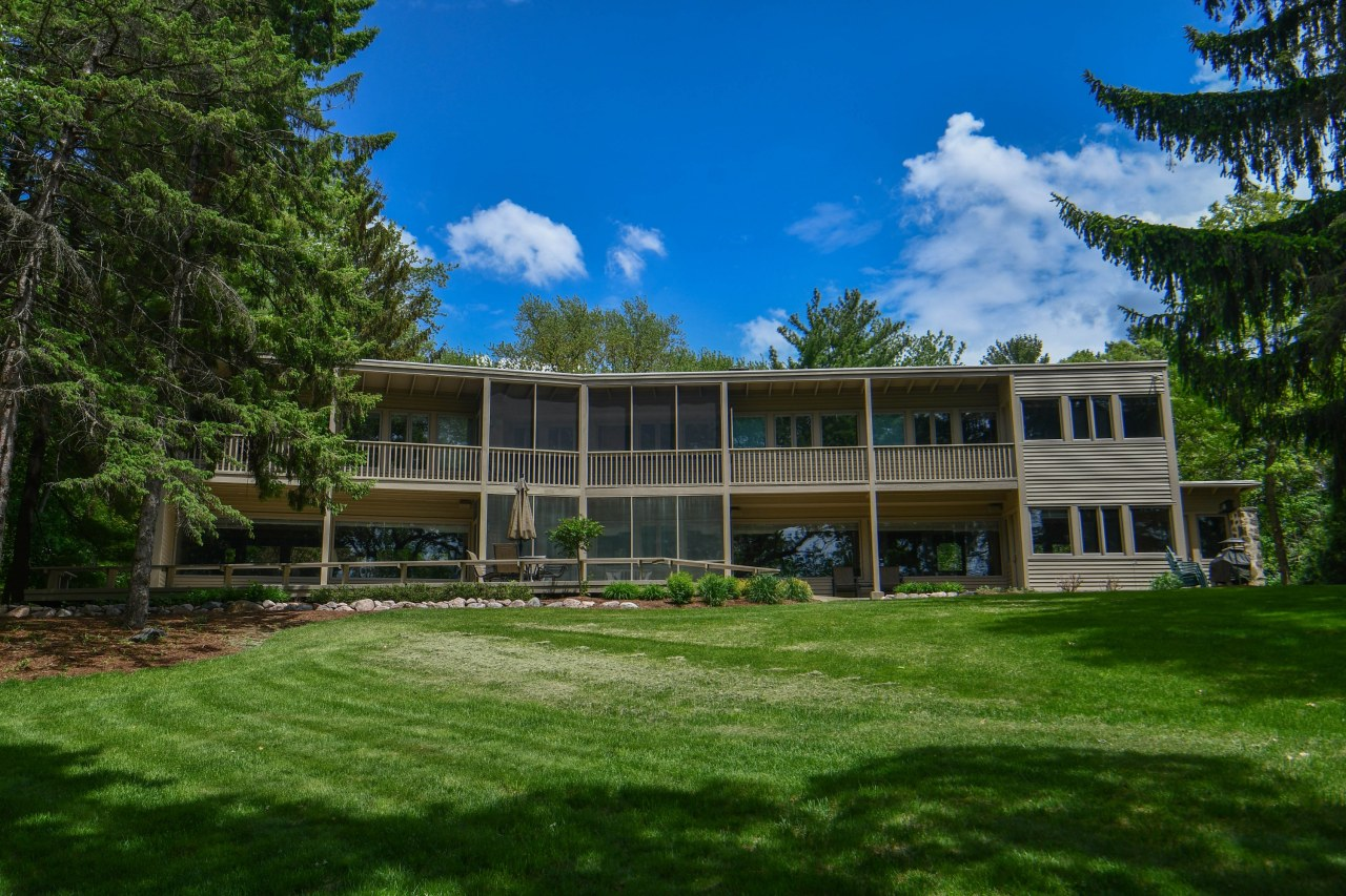 Photo of W380N5713 N Lake Rd, Oconomowoc, WI 53066