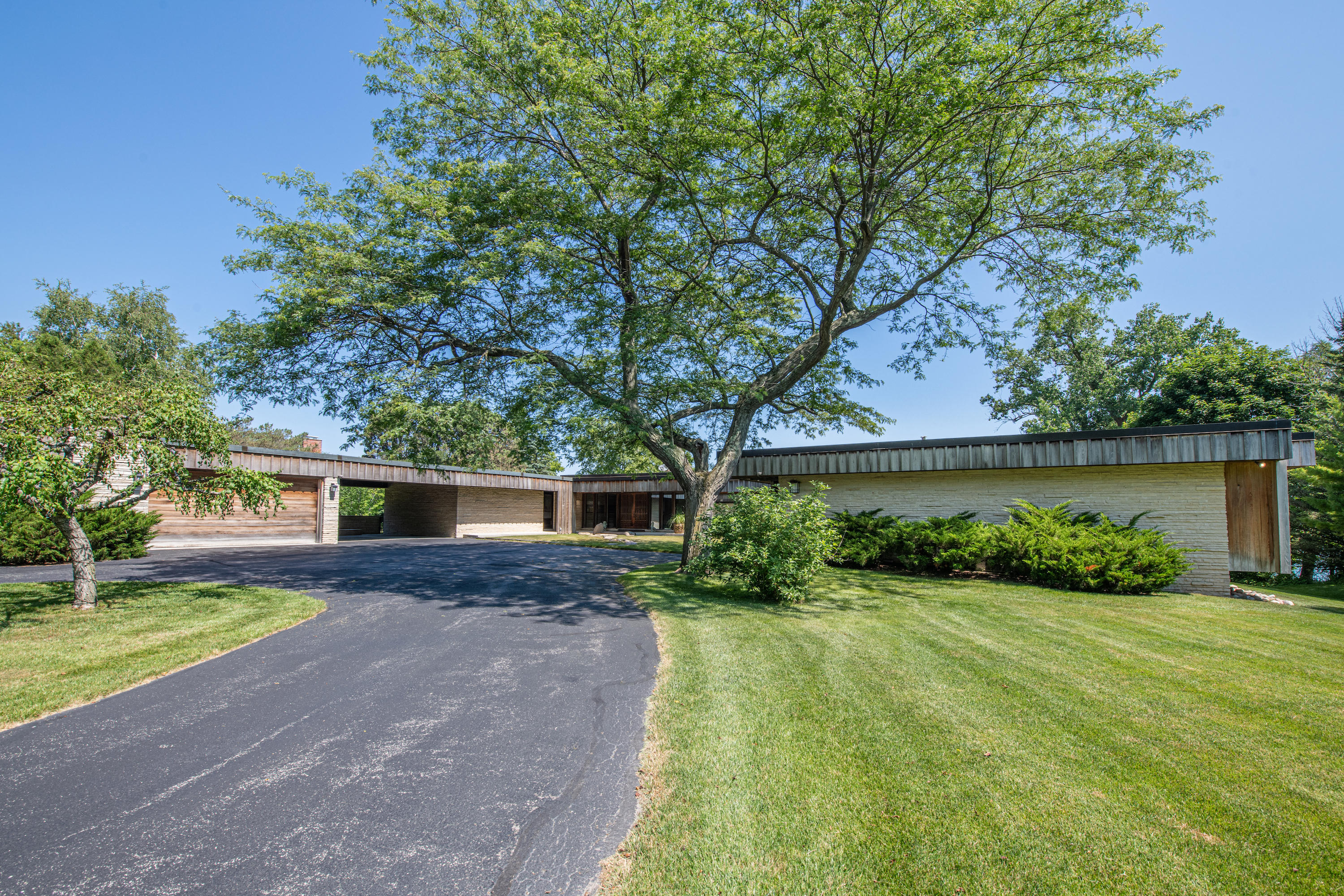 Photo of 109 Raven Turn E, Wind Point, WI 53402