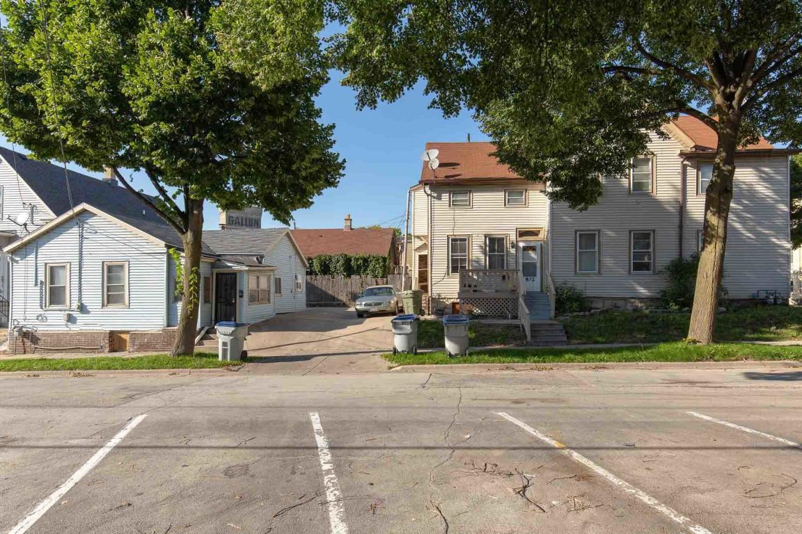 1753 Marshall St, Milwaukee, Wisconsin 53202, ,Multi-family,For Sale,Marshall St,1701125