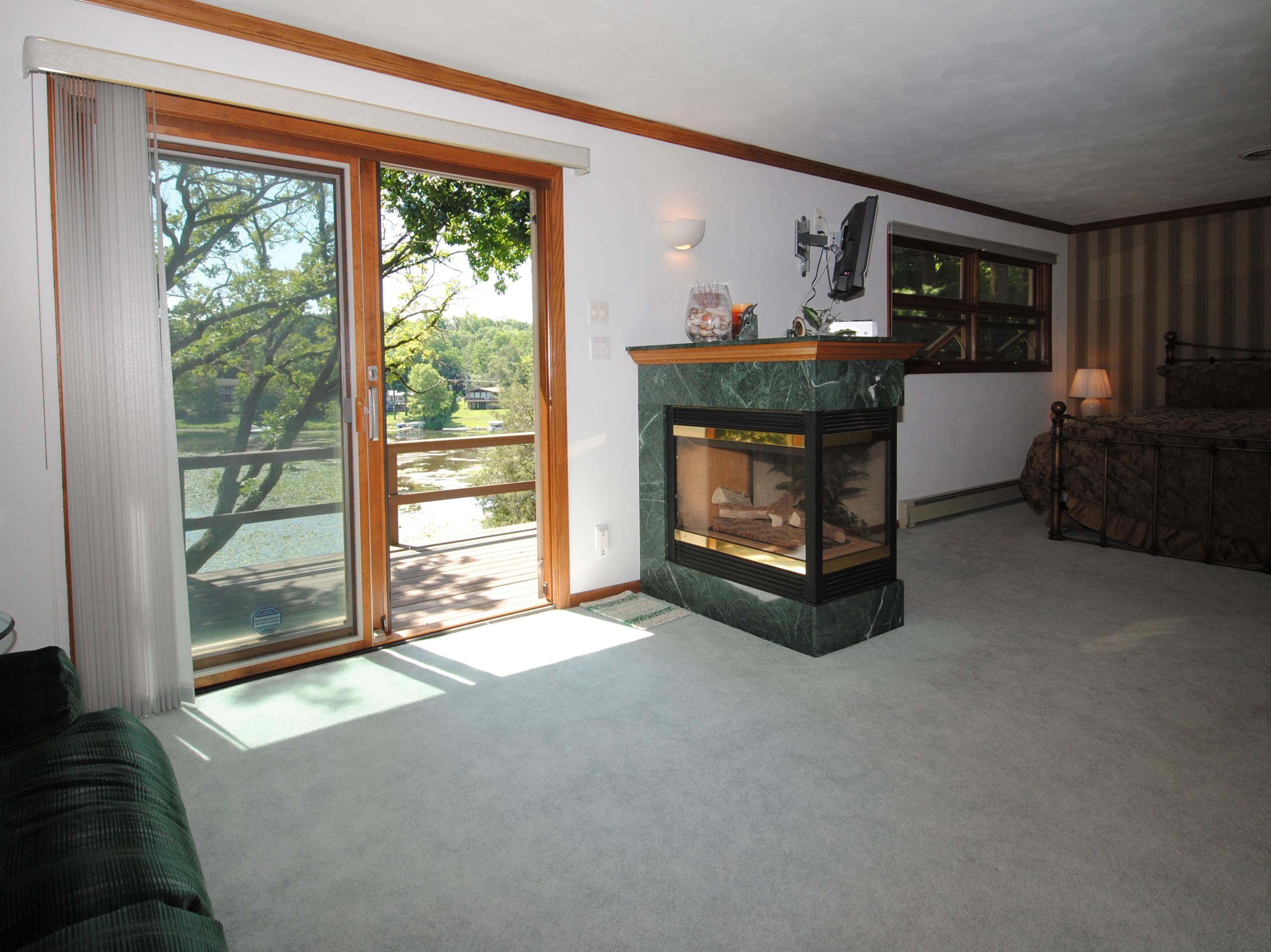 W5725 Ridge Rd, La Grange, Wisconsin 53121, 3 Bedrooms Bedrooms, 7 Rooms Rooms,3 BathroomsBathrooms,Single-family,For Sale,Ridge Rd,1702503