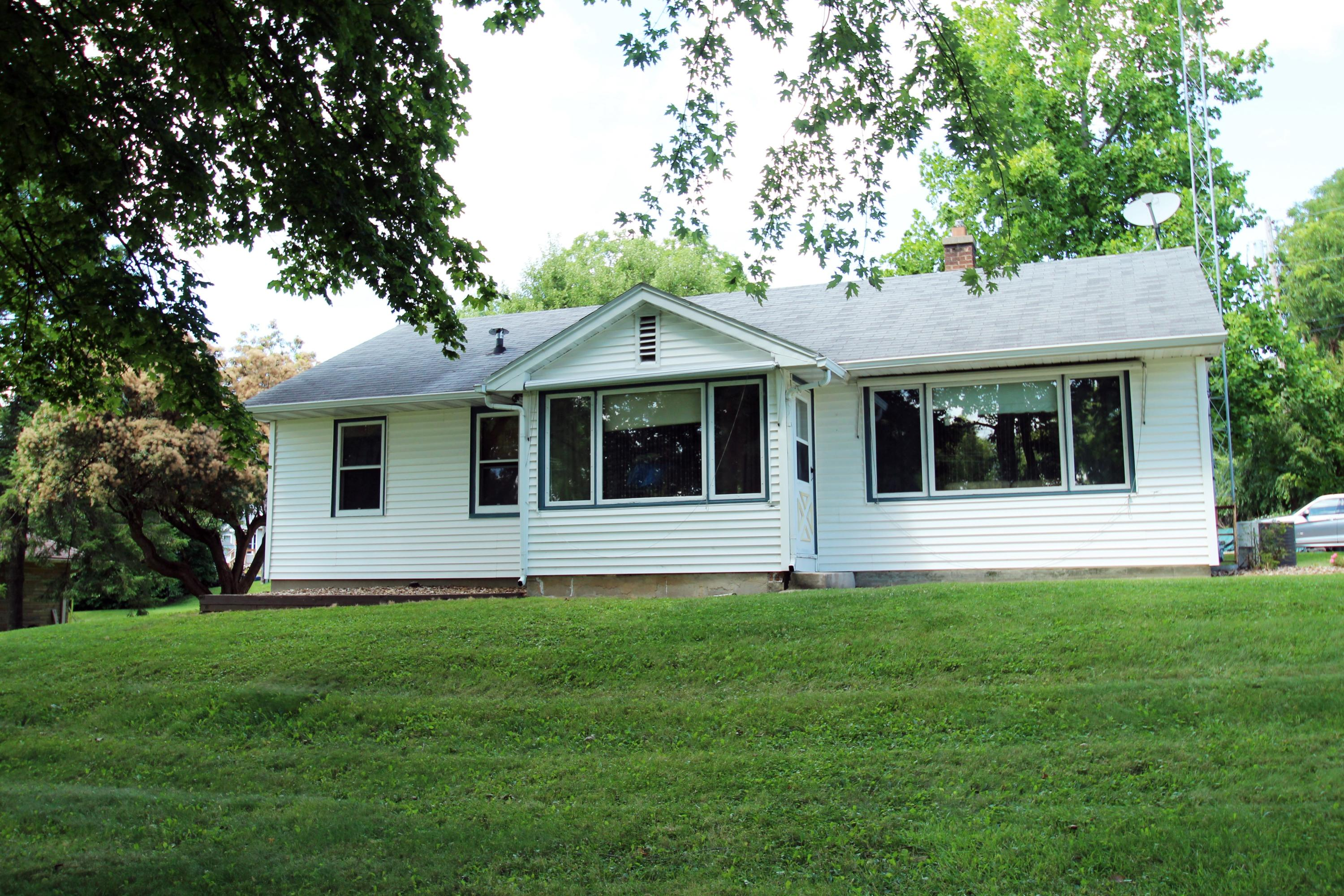 N6959 Lake View Rd, Lake Mills, Wisconsin 53551, 3 Bedrooms Bedrooms, ,1 BathroomBathrooms,Single-family,For Sale,Lake View Rd,1703024