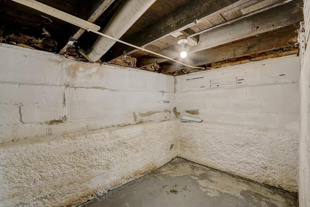 929 Harbridge Ave, Racine, Wisconsin 53403, 2 Bedrooms Bedrooms, 6 Rooms Rooms,1 BathroomBathrooms,Single-family,For Sale,Harbridge Ave,1706318