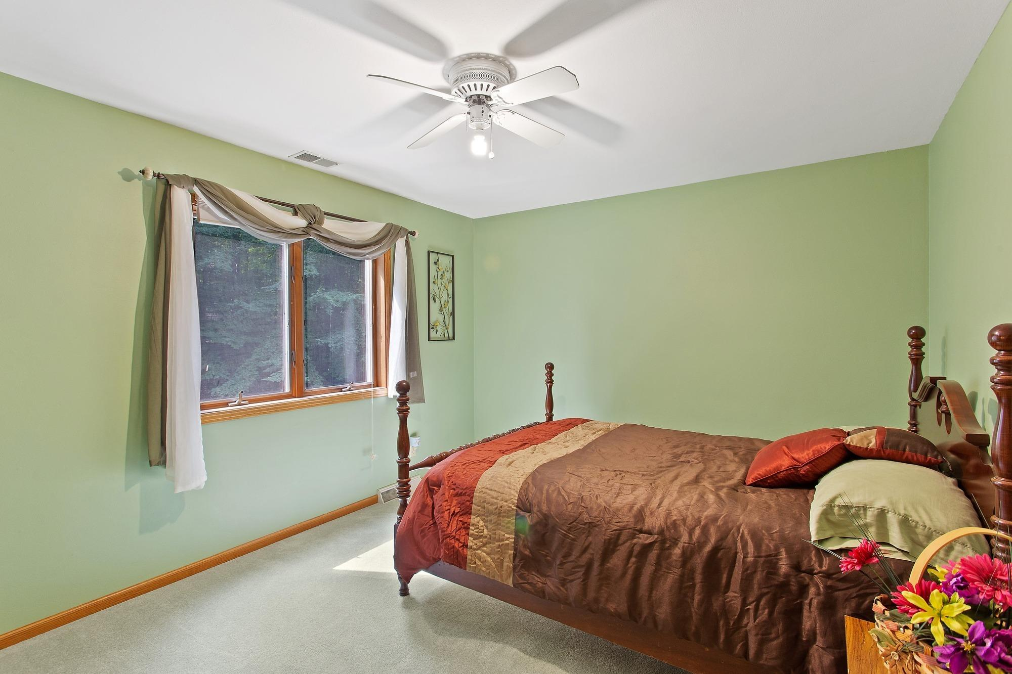 2192 Maple Rd, Grafton, Wisconsin 53024, 3 Bedrooms Bedrooms, ,2 BathroomsBathrooms,Single-family,For Sale,Maple Rd,1706245