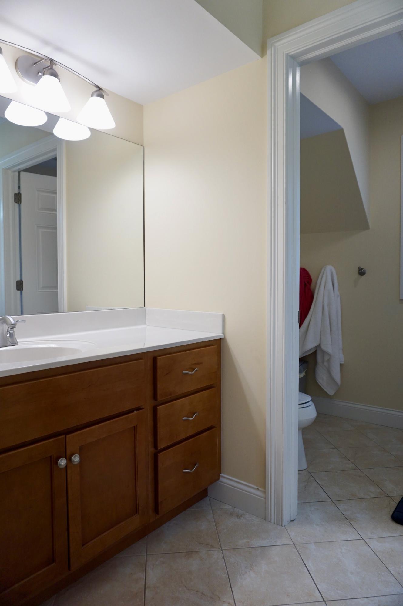 569 Forest Glen Dr, Fontana, Wisconsin 53125, 4 Bedrooms Bedrooms, 8 Rooms Rooms,3 BathroomsBathrooms,Single-family,For Sale,Forest Glen Dr,1707083